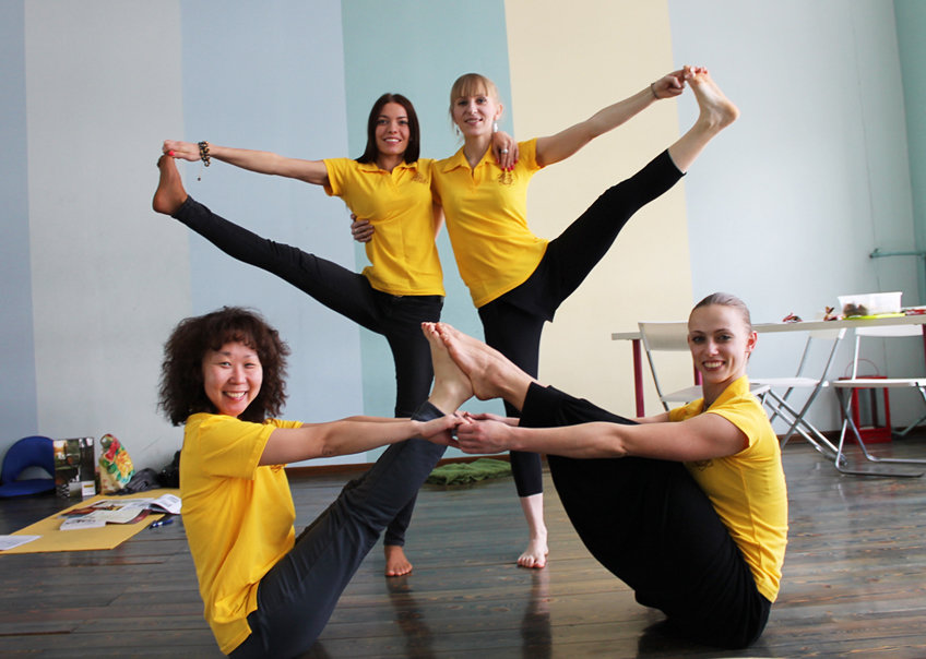 Как стать инструктором йоги?