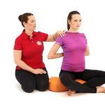 Йога для беременных: работа со спиной и руками, правильная осанка