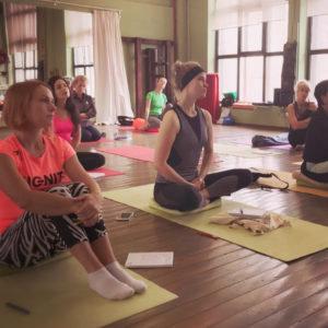 Занятия детской йоги в Федерации йоги России