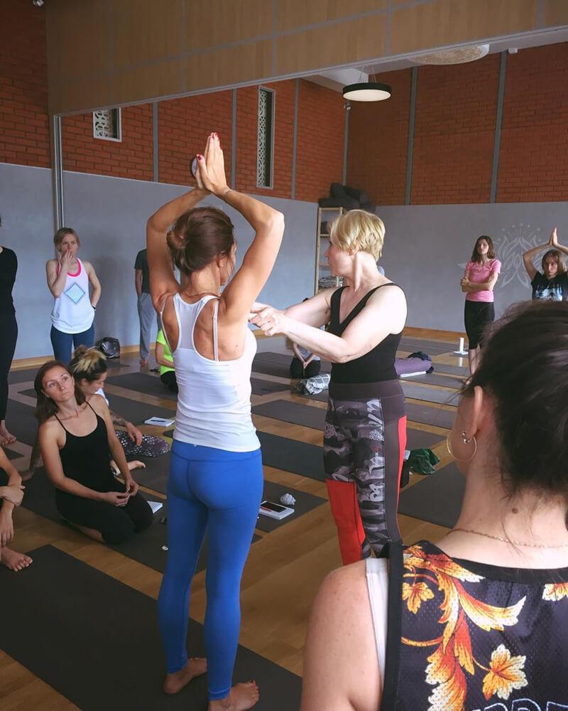Утренняя йога для бодрости